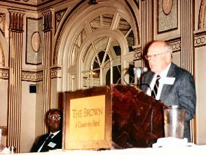 Warren Bledsoe speaking at the 1990 APH Annual Meeting
